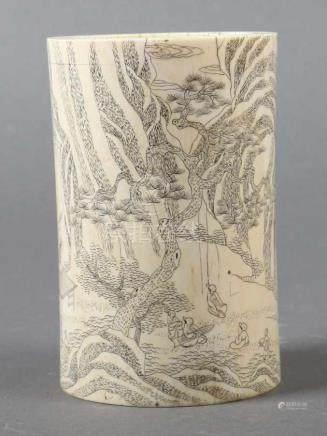 PinselbecherChina, um 1900, Elfenbein, zylindrischer Becher mit dicker Wandung, an der
