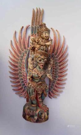 großer Garuda, Bali/IndonesienHolz, geschnitzt und farbig gefasst, Fehlstellen, Besch. die Flügel zu