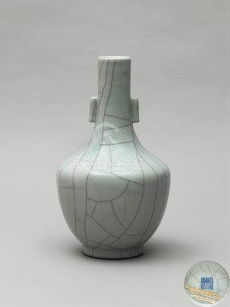 清道光 仿官釉贯耳瓶 A GUAN-TYPE ARROW VASE QING DYNASTY, DAOGUANG SIX-CHARACTER SEAL MARK AND OF THE PERIOD (1821-1850)