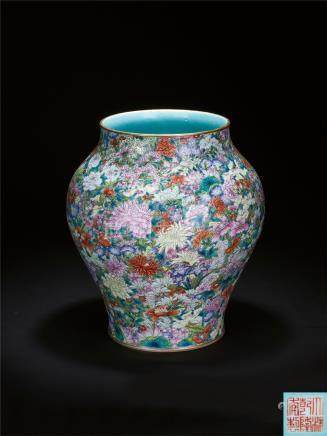 清乾隆 万花献瑞尊 A FAMILLE-ROSE 'MILLE-FLEURS' VASE QING DYNASTY, QIANLONG SIX-CHARACTER SEAK MARK AND OF THE PERIOD