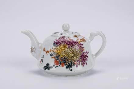 Chinese famille rose porcelain teapot.