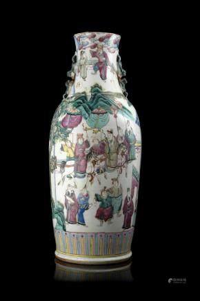 中國 十九世紀 粉彩人物圖瓶