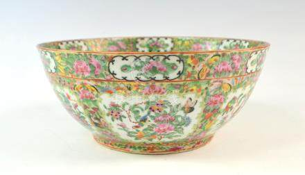 19th century Cantonese famille rose bowl decorated with panels of birds, flowers and foliage, on