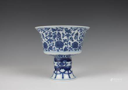 CHINESE BLUE WHITE STEM CUP