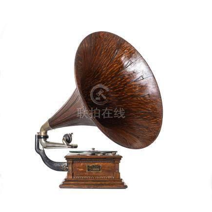 Victor Gramophone, Model M