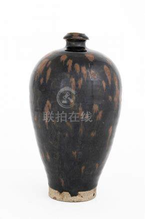A BLACK-GLAZED RUSSET-SPLASHED VASE, MEIPINGJin dynasty26,7