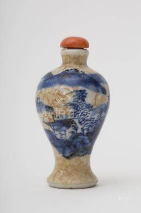 Meiping-shaped snuff bottle - China, Qing dynasty, antique work White craquelure porcelain, with