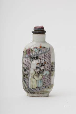 Rectangular bottle-shaped snuff bottle - China, Qing dynasty, 18th or 19th century Famille rose