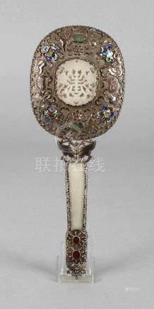 Silberspiegel mit EmailChina, um 1920, Silber gestempelt Silver, fein getrieben, ovales Gehäuse