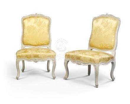 A PAIR OF LOUIS XV GREY-PAINTED CHAUFFEUSES