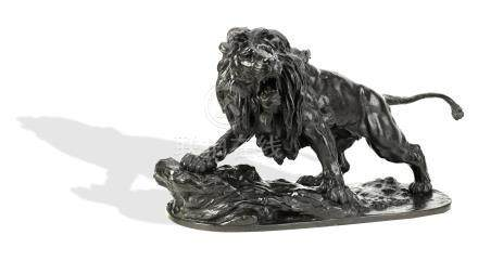 A large and impressive bronze lion By Ryoun, Meiji era