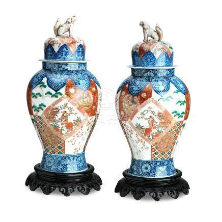 A pair of large Imari floor vases with covers and wooden stands Meiji era (1868-1912) (6)