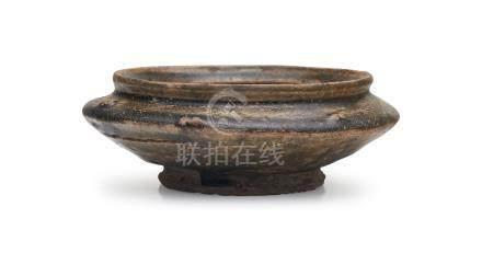 A Yue proto-porcelain celadon-glaze stoneware vessel Western Zhou dynasty