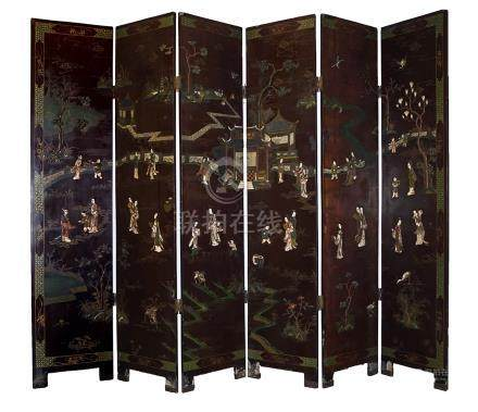CHINESE QING PERIOD LACQUERED SIX FOLD SCREEN
