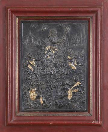 Panneau en cuir gauffré de Cordoue avec réhauts d'or  Orné en bas-relief d'une scène mytholo