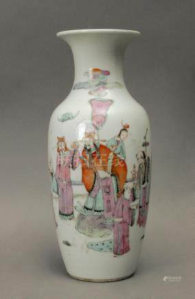 Late 19th century Chinese Tung Chih pocelain vase