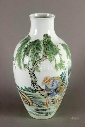 First half of 20th century Chinese porcelain vase from the R