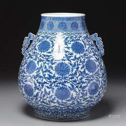 Large Qianlong blue and white floral vase
