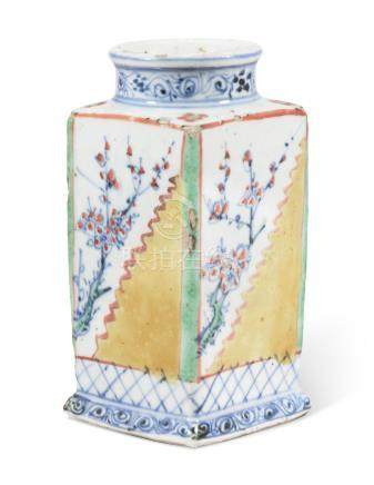 A POLYCHROME-ENAMELLED BLUE AND WHITE SQUARE-SECTION VASE 17TH CENTURY