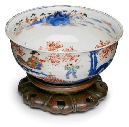Kumme mit Imari-Dekor, Japan wohl 18. Jh.Porzellan m. buntem Emaillefarbendekor m. Goldhöhungen.