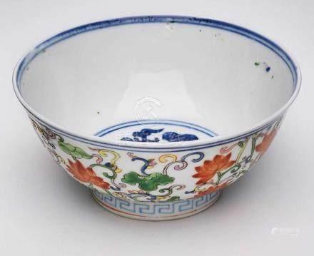"Kumme ""Famille Verte"", China 18. Jh.Wandung m. buntem Schmelzfarbendekor (Lotusblüten,Ranken u."