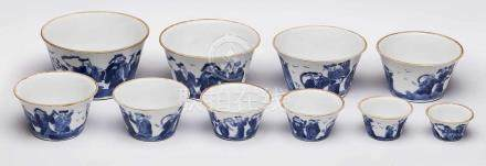 10 Satzschalen, China wohl 19. Jh.Porzellan, weiß glasiert u. blau bemalt. Kon. Wandung m.