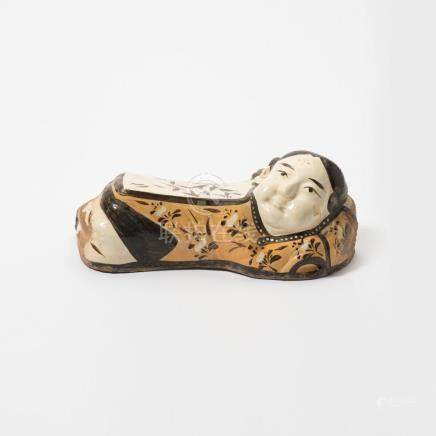 A fine Chinese Cizhou-type painted girl-form pillow