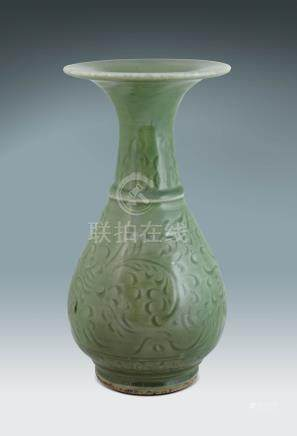 元 龍泉釉花卉紋廣口瓶