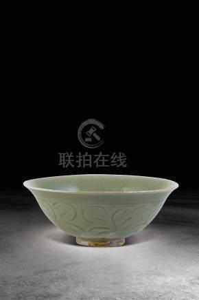 明  龍泉窯剔花碗