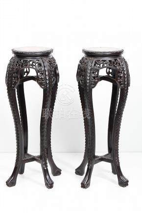 PAIR OF CHINESES COLUMNS