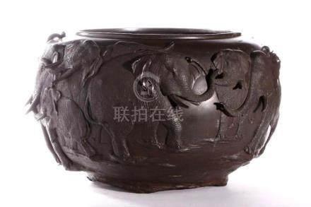 Finely cast Japanese Meiji bronze vase.