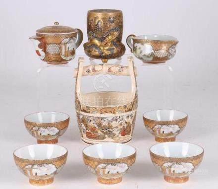 A lot of Japanese Satsuma porcelain.