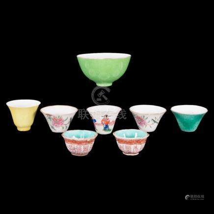 Lot of Chinese porcelain cups.