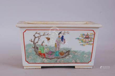 C19th Chinese famille rose rectangular jardiniere, painted to the long sides with two ladies on a