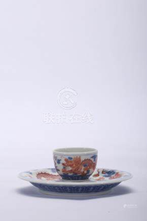 Chinese blue and white and iron red porcelain cup and