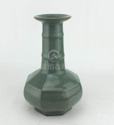 A CHINESE SONG STYLE GLAZED VASE