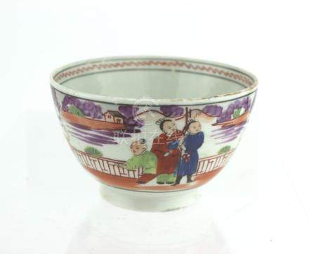 A CHINESE EXPORT PORCELAIN TEA BOWL