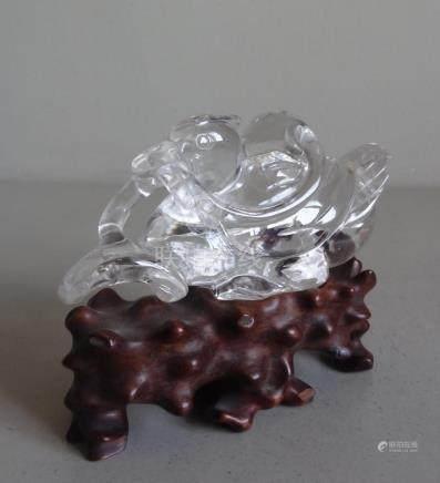 CHINEStatuette de canard tenant une feuille dans son bec en cristalH. : 8 cm -