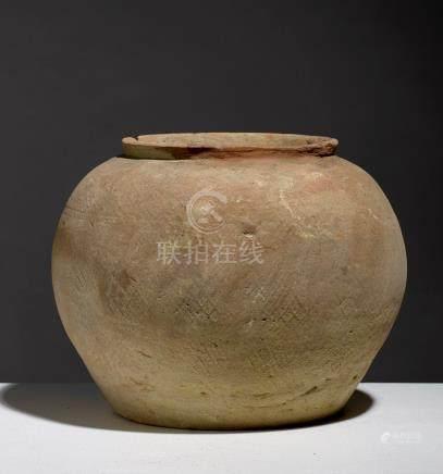 POT.VIETNAM, PÉRIODE HAN-VIET (111 BCE - 603 CE)Terre cuite à décor de losanges