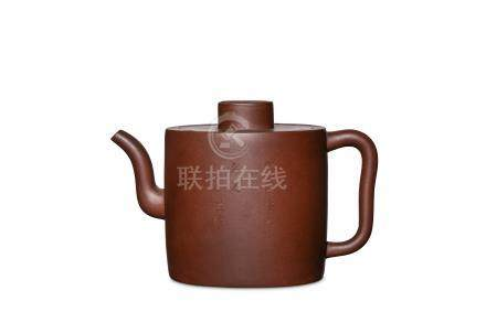A CHINESE YIXING ZISHA TEAPOT AND COVER. Qing Dyna