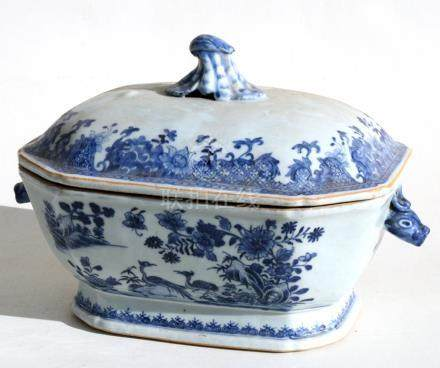 A 19th century Chinese blue & white tureen & cover decorated with flowers and having mythical