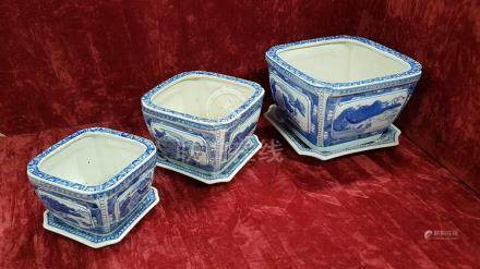 A set of three Chinese export jardiniere with saucers.