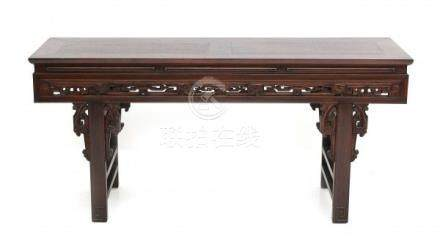 A Chinese elm altar table. Early 20th centuryAfmeting 79 x 169 x 50 cm. 29 % buyer's premium on