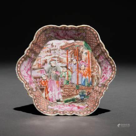 Plato en porcelana china serie mandarín. Trabajo Chino, Siglo XVIII