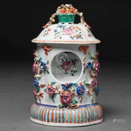 Porta relojes en porcelana de Compañía de Indias. Siglo XVIII
