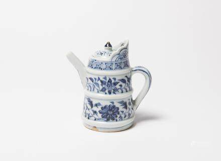 A Chinese Blue and White Porcelain Monk's Cap Ewer 元代-青花花卉紋僧帽壺