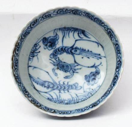 A Chinese Blue and White Porcelain Dish元代-青花荷塘清趣蝦蟹紋菊瓣碟
