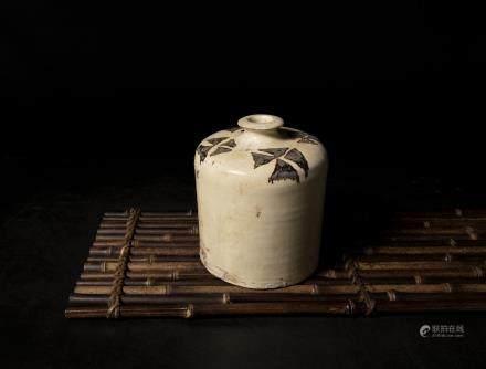 A Chinese Cizhou Porcelain Wine Ewer 宋代-磁州窯白地幾何紋酒瓶