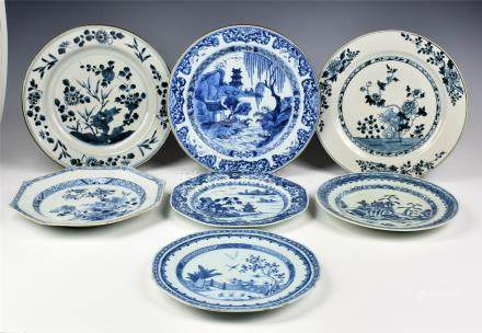 Seven Chinese blue and white export porcelain plates, late 18th / early 19th century, comprising