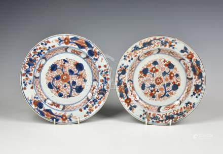 A matched pair of Chinese export porcelain Imari plates, late 18th / early 19th century, decorated